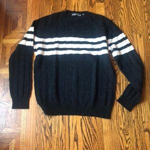 Men's Vince sweater size large. Great cond.